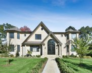 61 Shadetree Ln, Roslyn Heights image