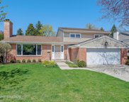 112 Hollywood Court, Wilmette image