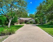 604 Rolling Green Dr, Lakeway image