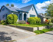 2122 Dexter Ave N, Seattle image
