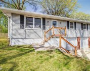 205 Sw Gladstone Drive, Blue Springs image