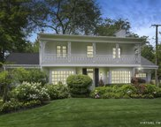 914 Wagner Road, Glenview image