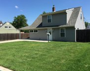 56 Horseshoe Lane, Levittown image