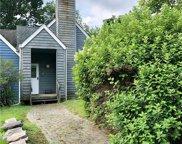 17 Fox  Ridge, Woodridge image