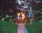 31 Hollywood Ct, Rockville Centre image