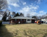 672 Larkfield  Road, E. Northport image