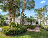 2535 Bay Pointe Dr, Weston image