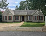 104 Arbors Ct, Central image
