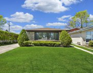 8800 Lowell Terrace, Skokie image