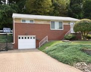 3138 Woodridge Dr, Whitehall image