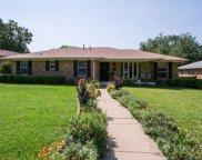 4858 Hazelhurst Lane, Dallas image