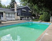3134 Maple Leaf Drive, Glenview image
