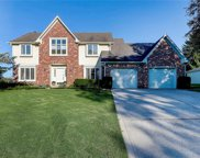 828 Pebble Brook  Place, Noblesville image