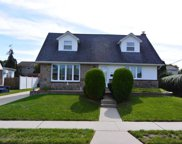 528 Mansfield Ave, Levittown image
