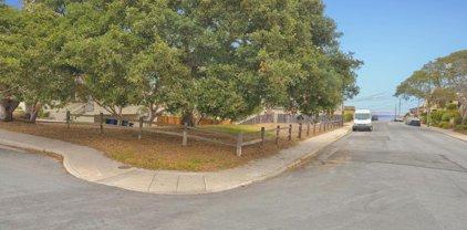 Oak St, Monterey