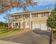 60 Carriage Rd, Roslyn image