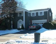 92 Kings Walk, Massapequa Park image