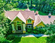 32 Woodvale Dr, Laurel Hollow image