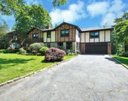 120 Colonial Parkway, Manhasset image