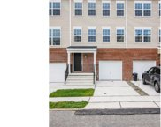 37 Creekside Wy, Burlington Township image