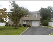 177 W Blue Point Rd, Holtsville image
