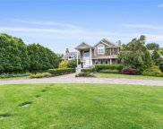 8 Bay Meadow  Lane, Westhampton image