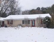 3115 GREENLAWN, Commerce Twp image