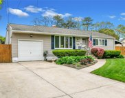 16 Arrow  Court, Central Islip image
