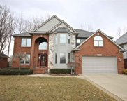 39095 Devonshire Ct, Harrison Twp image