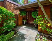 300 Village View Ct, Orinda image