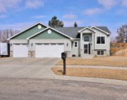 2504 Heritage Dr., Minot image