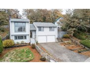 647 WOODCREST  DR, Springfield image