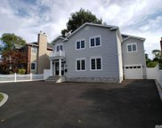 129 Combs  Avenue, Woodmere image