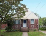 22 Cherry Ln, Carle Place image