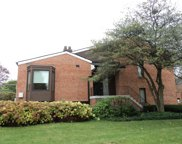 19W286 Governors Trail, Oak Brook image