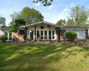 5033 Darfield, St Louis image