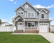 395 Berg  Avenue, East Meadow image