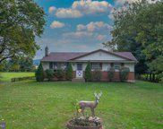 5832 Littlefield Ave, Reading image