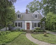 211 Lakeview Ave, Grosse Pointe Farms image