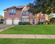 3568 Twelve Oaks Lane, Grapevine image