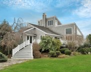 4 Bayview Dr, Quogue image