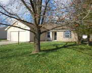 5520 Kelly Anne  Way, Noblesville image