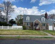 400 Langley  Avenue, W. Hempstead image