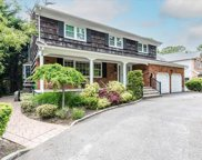 2384 Lindenmere  Drive, Merrick image