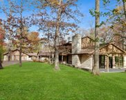 1675 Robinwood Lane, Riverwoods image