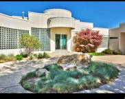 11242 Eagle View Dr, Sandy image