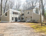 3211 COBB HILL LANE, Oakton image