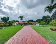 10750 Sw 67th Ave, Pinecrest image