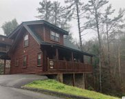 2105 Valley Creek Way, Pigeon Forge image