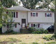 428 Fir Grove  Road, Ronkonkoma image